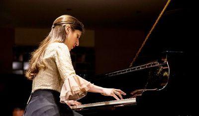 Chiara cautiva a Europa con música académica paraguaya