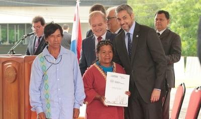 Gobierno entrega 700 subsidios para construcción de viviendas