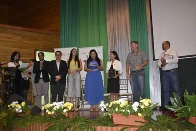 CIERRE DE ACTIVIDADES DEL AÑO 2019 DE LAS PLATAFORMAS DEPARTAMENTALES DE SOJA Y CARNE DE ITAPÚA Y ALTO PARANÁ