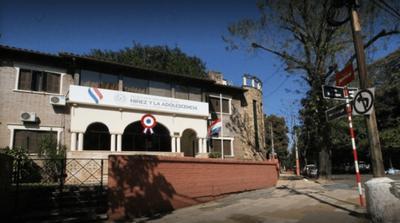 Funcionarios del Ministerio de la Niñez van a huelga, disconformes con recorte presupuestario