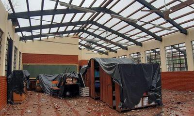 Inoperancia institucional permite que obreros destruyan documentos y equipos en Colegio del Área 5