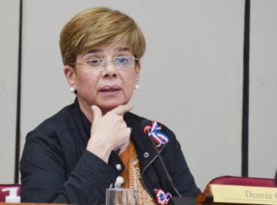 Críticas de la Iglesia y de la gente fueron dirigidas a toda la clase política, dice senadora