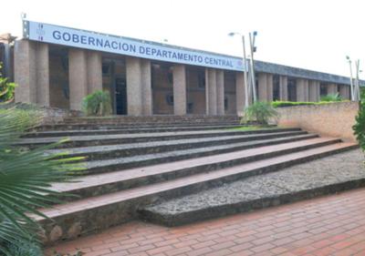 Gobernación de Central no desembolsa dinero para el pago de becas