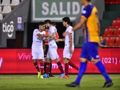 El tremendo gol olímpico de Pachi Carrizo