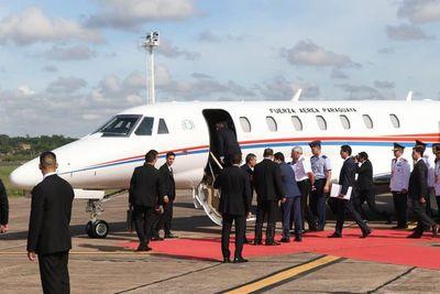 Abdo viajó a Argentina y estrenó avión donado por China Taiwán