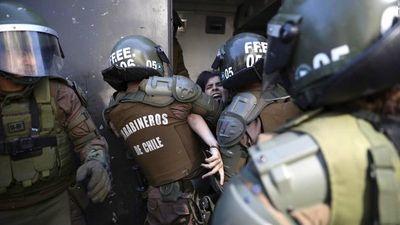 Piñera promete asistencia, verdad y justicia a víctimas de violaciones a DDHH en Chile