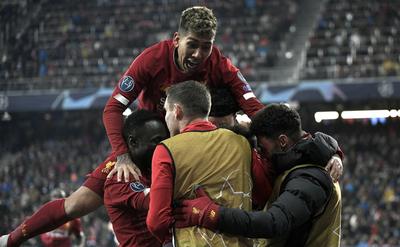 Liverpool avanza a octavos como primero de su grupo