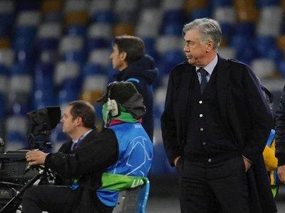 Napoli destituye a Ancelotti