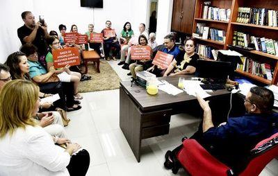 Vecinos denuncian a Mario Ferreiro ante la Defensoría