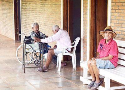 Solicitan  apoyo para solventar ancianato