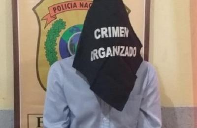 Cae funcionario público sospechoso de robar y vender computadoras