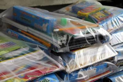 Kits escolares llegan temprano, pero sin borradores