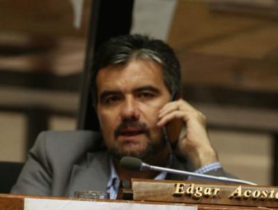 HOY / Proyecto de control de dinero del fútbol vuelve al Congreso