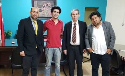 Kelembú y Alejandro denuncian irregularidades en adjudicaciones