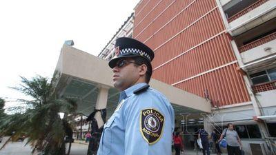 Aprueban proyecto de ley que busca limitar la cantidad de policías comisionados
