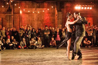 Celebran Día del Tango al ritmo de la milonga
