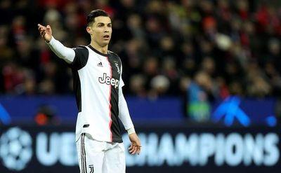 Cristiano e Higuaín envían al Juventus a octavos
