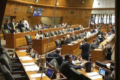 Avanzan leyes para mejorar el control financiero en el país