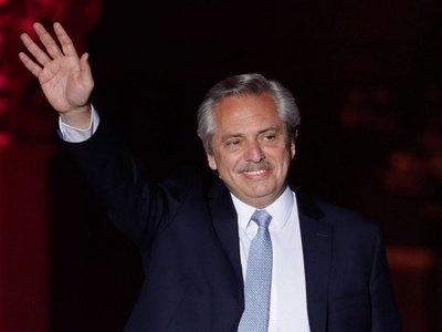 Fernández inicia  difícil gobierno con miras a reactivar la economía