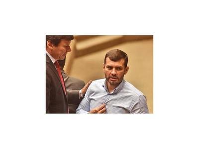 Tras polémico sorteo le llueven críticas al diputado Ramírez