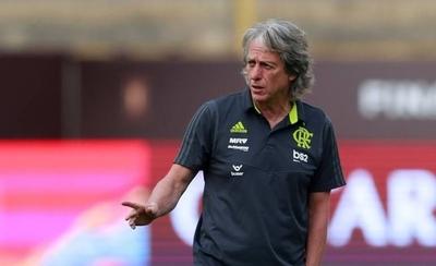 HOY / El técnico del Flamengo lanza biografía y cede los derechos a enfermos de cáncer
