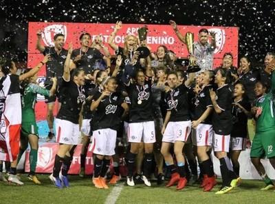 Libertad/Limpeño campeón Absoluto en fútbol femenino