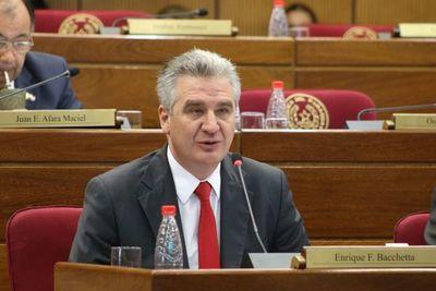 """Expresiones de Sixto Pereira son """"irrelevantes"""", dice Bacchetta"""