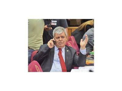 Riera irá por la Junta y pide suspender a los investigados