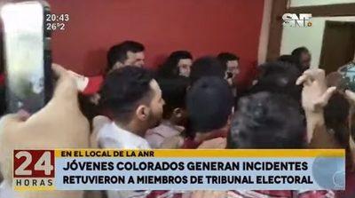 Incidentes en la ANR tras postergación de elecciones