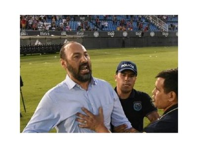 La APF sanciona a Raúl Zapag