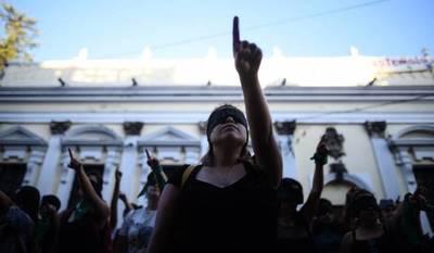 """LasTesis: """"La revolución feminista es la más necesaria de la historia"""""""
