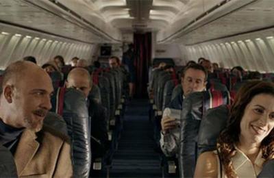 Ni en un bar ni en una discoteca: tu futuro amor podría estar en tu próximo viaje de avión