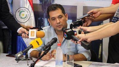 Senador oficializa pedido de expulsión de Oscar González Daher