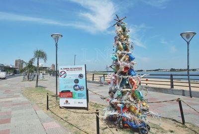 El árbol de Navidad más caro del planeta está en la Costanera de Asunción