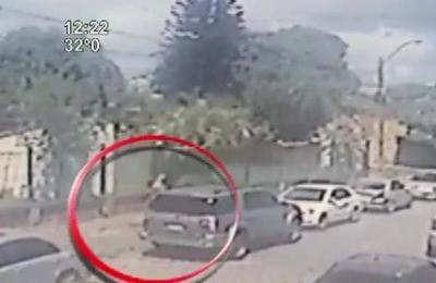 Robachoches se llevaron una camioneta en pleno día en barrio Recoleta