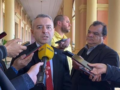 Hablar de juicio político cuando se platea la cooperación contra el crimen organizado 'no resiste un análisis serio'