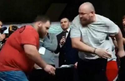 El momento en que el campeón ruso de bofetadas sufre su primera derrota