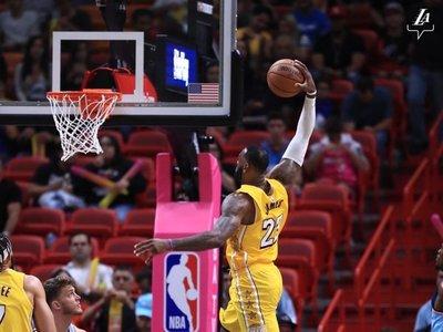 Bucks y Lakers no se cansan de ganar