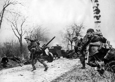 """Homenaje a los """"héroes"""" de la batalla de las Ardenas, 75 años después"""