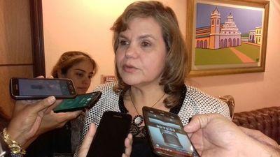 """Senadora pide elecciones juveniles """"lo antes posible"""""""