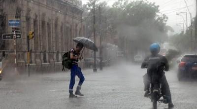 Meteorología anuncia tormentas para el resto de la jornada y comienzo de semana