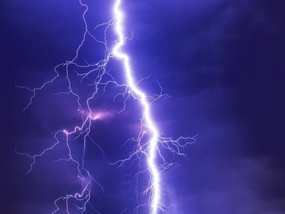 Tormentas eléctricas continuarán este lunes