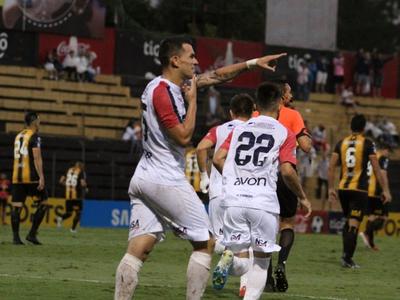 Nacional clasifica a la Sudamericana al golear a Guaraní.