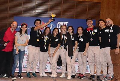 Esteños entre los mejores en competencia nacional de robótica