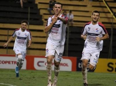 Nacional con goleada clasifica a la Sudamericana