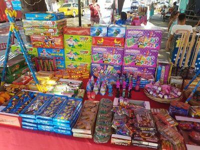 Prohibirán venta de pirotecnia en los mercados de Asunción