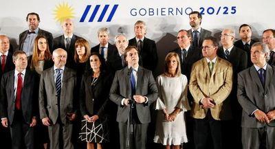 El presidente electo de Uruguay anuncia nuevo gabinete para llevar a cabo la transición