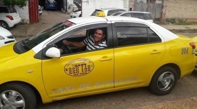 HOY / Grupo de taxistas recuperó clientes tras sacar el 30% de horario nocturno