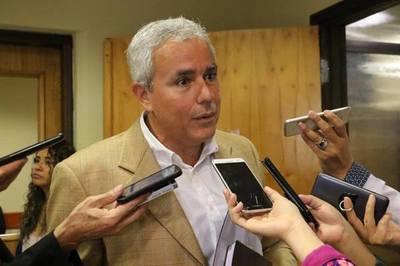 "Zavala trató de ""incoherente"" al ministro de Hacienda"