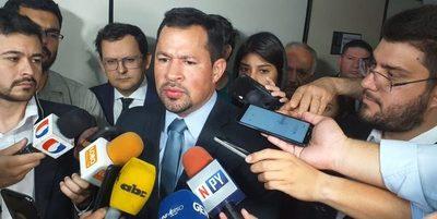 Aclaran que por ausencia Ulises Quintana no puede perder su banca